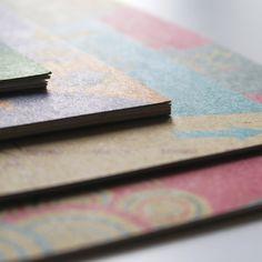 Impression pantone sur papier cartonnée utilisé habituellement pour des packaging de yaourt