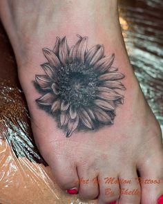sunflower tattoos | black and gray sunflower tattoo 4 Black And Gray Sunflower Tattoo