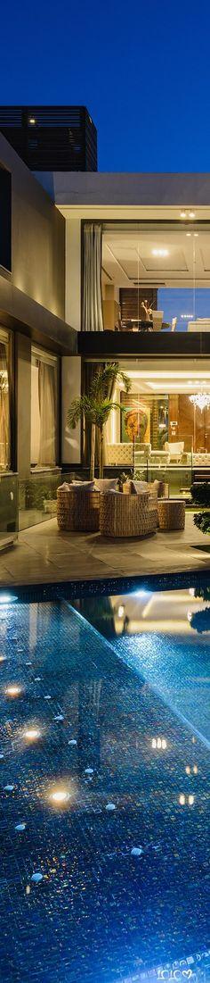 Allegria Villa #ModernPools #ModernHouses #ModernOutdoorSpaces