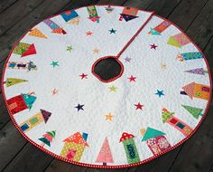 Adorable quilted Christmas tree skirt