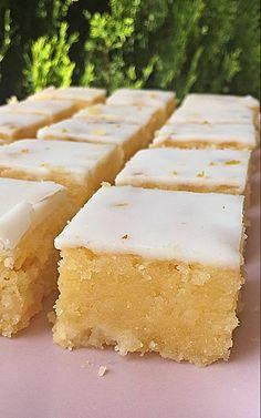 brownie-limon-trocitos-chocolate-blanco Chocolate Muffins, Chocolate Brownies, Blondies, Cake Videos, Flan, Cornbread, Vanilla Cake, Food And Drink, Sweets
