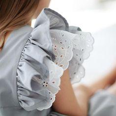 Очень женственное ,изящное ..игривое платье-сарафан свободного кроя с изумительным кружевом ...#miko_D0032 ❤️ • Состав: 90% хлопок,10% п/э • Размеры в наличии: 92,98,104,110,116,122. • Цена: 5800. • Все вопросы и оформление заказа в W/A : +79126365902  • Доставка по всему . #miko_kids #conceptkidswear #dress #forkids #большечемплатья #платьядлядевочек