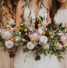 Boho Bride dreams! This bridal bouquet made with king protea, blush dahlias, lisianthus and crespedia. Photo Credit: Jaqueline Fugatt Photography