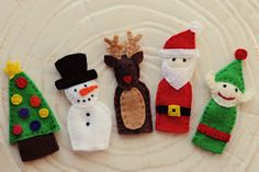 Felt Christmas finger puppets. The pattern for the whole gang is availablehereas a free download