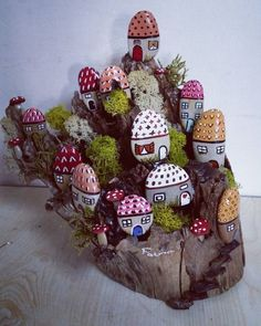 Wonderful DIY decoration ideas with painted stones – decoration ideas – Stone Stone Crafts, Rock Crafts, Diy And Crafts, Crafts For Kids, Arts And Crafts, Pebble Painting, Pebble Art, Stone Painting, Diy Painting