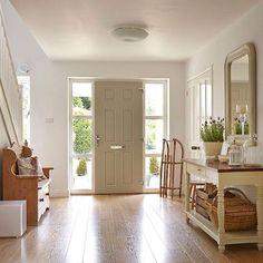 Beautiful hallway  ~ lovingly repinned by www.skipperwoodhome.co.uk