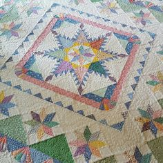 Vintage Moments quilt, pattern by Marsha McCloskey.