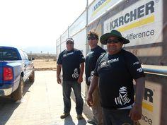 Nuestros amigos de Karcher montando su campamento en La Serena