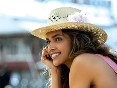 She cannot care less about being judged : Whether it is speaking out against a powerful media house or speaking about her own depression, Deepika Padukone has never bothered about speaking out what's there in her heart. She is not restricted by what the public will think about her, she just goes ahead with what she thinks is right. Isn't this just great?
