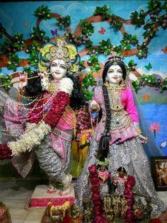 ... Radha Krishna Images, Krishna Radha, Love Song Quotes, Love Songs, Laddu Gopal, Spiritual Life, Wonder Woman, God, Superhero
