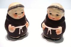 Salt and Pepper Set  Monk Friar Tuck  A2204 2.5 inches Tall Vintage