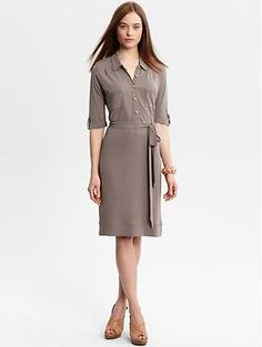 I love shirt dresses. But this looks 10 times even more adorable with a scarf tied around the waist!