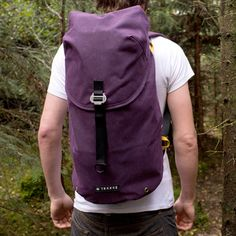Looking for a great backpack? Glasgow based Trakke creates a timeless backpack, named Krukke. A bag that is built for adventure. One would be surprised how much gear can be packed in this minimalist bag. Besides a big stow away compartment there is a front pocket, large enough to store A4 documents. Subtle side pockets give you the opportunity to store a water bottle, and a zip pocket to safely store your valuables. The bag is made of waxed cotton, available in the colors mustard, green, ...