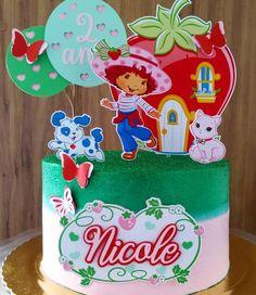 Bolo da Moranguinho: 80 ideias delicadas e tutoriais de como fazer Strawberry Shortcake, Birthday Cake, Desserts, Food, Strawberry Shortcake Birthday, Pastry Art, Tutorials, Birthday Cakes, Meal