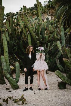 The cutest cactus wedding backdrop! Cactus Wedding, Boho Wedding, Dream Wedding, Lesbian Wedding, Wedding Vintage, Grunge Wedding, Wedding Desert, Wedding Story, Wedding Hair