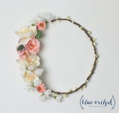 Silk flower crown with berries around the entire base. Silk flower are arranged on one side to create a beautiful focal point. This floral crown is perfect for a boho wedding! Pink, Peach, Cream and White Flower Crown by blueorchidcreations on Etsy