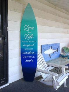6 foot wood surfboard wall art in an ocean ombre effect with quote sign 6 foot wood surfboard wall art in an ocean ombre by SerendipitySurfShop Beach Cottage Style, Beach House Decor, Surfboard Decor, Surfboard Painting, Surf Decor, Mini Pool, Backyard, Patio, Surf Style
