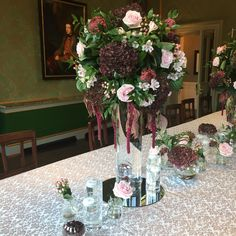Centerpieces, Table Decorations, Glass Vase, Furniture, Home Decor, Decoration Home, Room Decor, Center Pieces, Home Furnishings