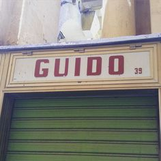 I don't think this guide shop has been open for some time! Bloody google maps! #bloggeruk #bloggerlife #lovemalta #signage #retrosign #typography #kiosk #valletta #valetta #igersoftheday #igers #streettypography #malta #city