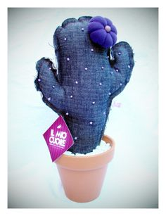 Made in design DIY - Je fais moi-même Denim Crafts, Felt Crafts, Crafts To Make, Flower Bookey, Cactus Flower, Cactus Cactus, Cactus Craft, Cactus Decor, Felt Flowers