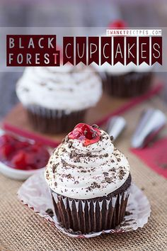 Black Forest Cupcakes This classic dessert recipe delivers a rich, moist chocolate cupcake stuffed with delicious cherry pie filling and topped with Cupcake Recipes, Baking Recipes, Dessert Recipes, Gf Recipes, Frosting Recipes, Cupcake Bakery, Cupcake Cupcake, Cupcake Images, Cupcake Heaven