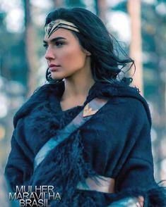 Gal Gadot as Wonder Woman Wonder Woman Kunst, Wonder Woman Art, Gal Gadot Wonder Woman, Wonder Woman Movie, Wonder Woman Cosplay, Super Hero High, Dc Super Hero Girls, Gisele Yashar, Marvel Dc
