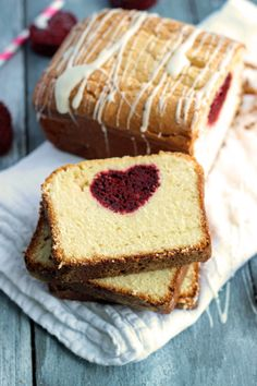 Cream Cheese Pound Cake with a Red Velvet Heart Center Recipe ~ A delicious cream cheese pound cake stuffed with red velvet cake hearts. This pound cake is coated with a creamy sugared glaze. Velvet Cake, Yummy Treats, Sweet Treats, Yummy Food, Fun Food, Red Velvet Desserts, Cinnamon Roll Cheesecake, Cake Recipes, Dessert Recipes