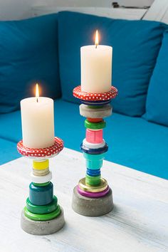 Make candlesticks from bottle caps yourself. DIY for children and adults Make candlesticks from bottle caps yourself. DIY for children and adults Plastic Bottle Caps, Bottle Cap Magnets, Bottle Cap Art, Bottle Cap Crafts, Diy Bottle, Recycle Plastic Bottles, Bottle Top, Bottle Stopper, Diy Gifts To Sell