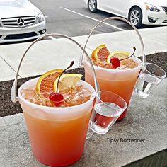 Beach Side Punch Cocktail - For more delicious recipes and drinks, visit us here: www.tipsybartender.com