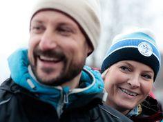Dra på skitur, gåtur, aketur, telttur, topptur, bærtur, fisketur, langtur - eller bare kom dere ut en tur! Det kan bli opplevelser dere husker hele livet, sa Kronprins Haakon i dag. Han åpnet Friluftslivets år 2015(foto 2014)