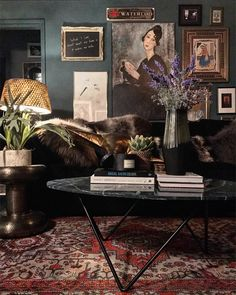 20 Dark Bohemian Decor to Create Different Room in Your Home - Room Inspiration, Interior Inspiration, Decoration Bedroom, Dark Walls, Dark Interiors, Home And Deco, Eclectic Decor, Bohemian Decor, Home Decor