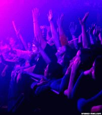 Being in the front row of a rock concert | 3D Animated GIF | Stereo-Man 3D Music Magazine