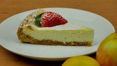 Snadný tvarohový koláč příjemné chuti. I díky názornému videu se vám tento lehký tvarohový koláč podaří na jedničku. Hotový můžete ještě doplnit… Cheesecake, Treats, Sweet, Food, Sweet Like Candy, Candy, Goodies, Cheesecakes, Essen
