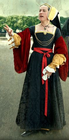 Wear Your Tudor with Grace and Poise ... You're Doin' It Right!!