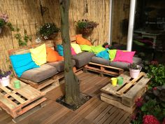 Pallets lounge set for in my garden <3 Easy to DIY!!