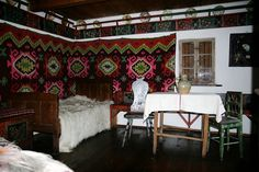 Muzeul Satului Branean - Bran, jud. Brasov Cool Places To Visit, Old Houses, Romania, Perfect Place, Valance Curtains, Cottage, House Design, Restaurant, Traditional