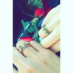 Cute Muslim Couples, Cute Couples Goals, Romantic Couples, Couple Goals, Couple Dps, Cute Couple Selfies, Cute Love Couple, Couple Photoshoot Poses, Couple Photography Poses