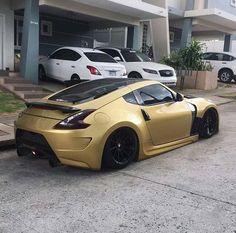 <<< love the color Nissan Z Cars, Nissan 350z, Ferrari Laferrari, Nissan Z Series, 370z, Street Racing Cars, Auto Racing, R35 Gtr, Tuner Cars