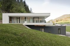 Architecture Discover Einfamilienwohnhaus T. Aigen im Ennstal - farmes Contemporary Architecture Architecture Design Building Design Building A House Hut House Modern Villa Design Hillside House Minimalist House Design House In The Woods Dream House Exterior, Dream House Plans, Building Design, Building A House, Houses On Slopes, Hut House, Modern Villa Design, Hillside House, Minimalist House Design