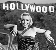 Marilyn Monroe Wallpaper, Marilyn Monroe Photos, Old Hollywood Stars, Vintage Hollywood, Merlin Monro, Best Kisses, Black And White Posters, California Dreamin', Norma Jeane