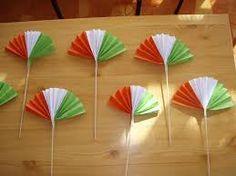 "Képtalálat a következőre: ""tavaszi dekoráció óvodába"" Independence Day Activities, Independence Day Decoration, 15 August Independence Day, Creative Crafts, Fun Crafts, Diy And Crafts, Arts And Crafts, Paper Crafts, Art Drawings For Kids"
