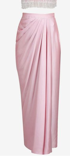 ideas for skirt long pink outfit – Hijab Fashion 2020 Kebaya Hijab, Kebaya Dress, Kebaya Muslim, Model Kebaya Modern Muslim, Kebaya Modern Hijab, Dress Brokat Modern, Kebaya Brokat, Batik Fashion, Skirt Fashion