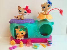 Littlest Pet Shop Magnetic Curious Kitties House 3 Cats-RARE w/Accessories Awesome Toys, Cool Toys, Rare Lps, Birthday Wishes, Birthday Gifts, My Little Pony, Little Girls, Lps For Sale, Lps Sets