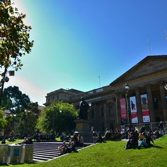 Why not get out and have lunch on the lawn #melbourne