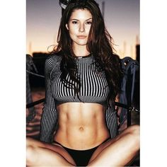 Those abs ❤️ #AmandaCerny