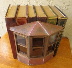 Shannon Moore Bookboxes / book boxes