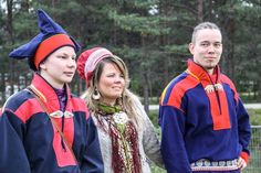 Holmberg, (vas.), Magga-Vars ja Valle kohtasivat alkuperäiskansojen musiikkitapahtuma Ijahis Idjassa Inarissa. Kuva: Nadja Mikkonen / Yle