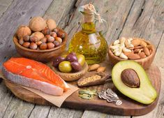 Rolul acizilor grasi Omega 3 la copii ➤ Alimente bogate in Omega 3 ➤ Necesarul zilnic ➤ Deficitul de Omega 3 Healthy Fats, Healthy Snacks, Healthy Eating, Healthy Recipes, Stay Healthy, Diet And Nutrition, Nutrition Quotes, Health Diet, Regime Anti Cholesterol