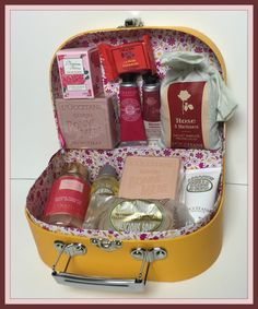 Suze likes, loves, finds and dreams: French Days: Filled L'Occitane Suitcase Giveaway