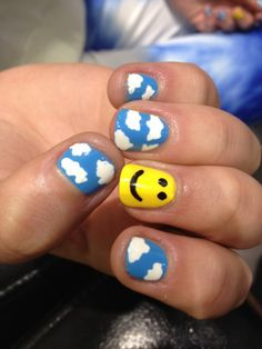 sunshine-and-clouds-nail-art